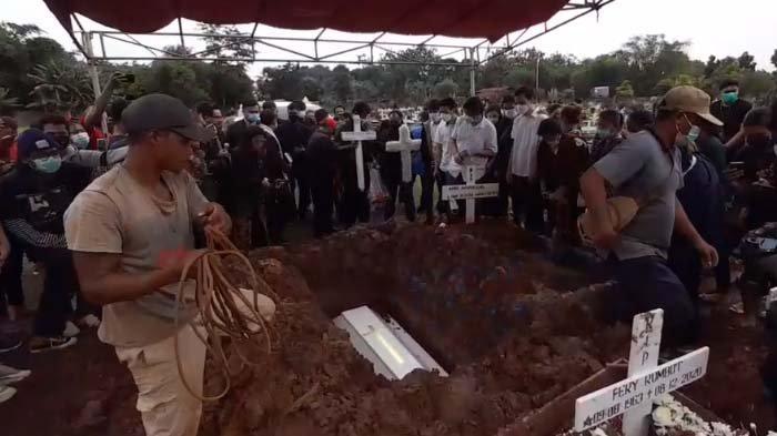 suasana pemakaman Melisha Sidabutar, finalis Indonesian Idol, hari ini Kamis (10/12/2020)