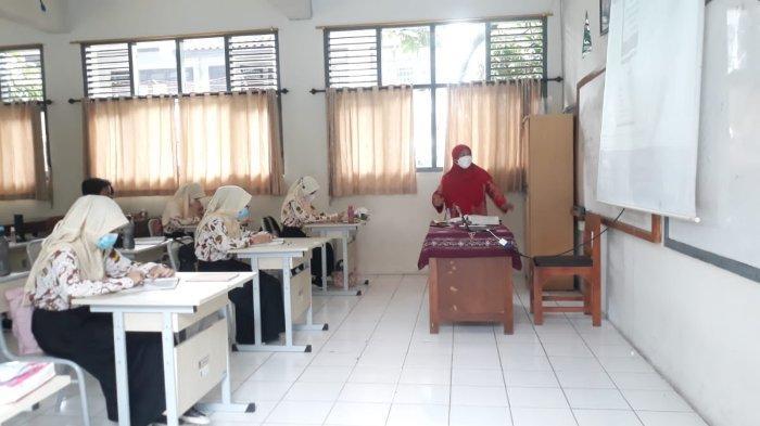 Hari Pertama Simulasi Pembelajaran Tatap Muka di SMPN 5 Kota Bogor, Siswa Antusias