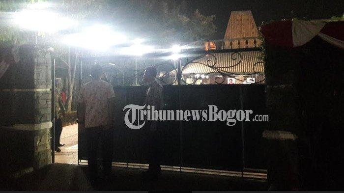 Ibunda SBY Meninggal Dunia, Pelayat Mulai Berdatangan ke Puri Cikeas Bogor