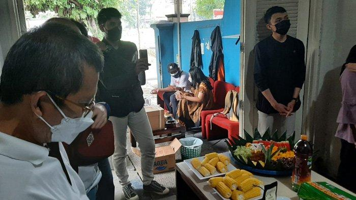 Suasana syukuran HUT TribunnewsBogor.com yang ke-6, di Jalan Kresna Raya No.55, Perumahan Indraprasta, Kota Bogor, Jumat (1/10/2021)