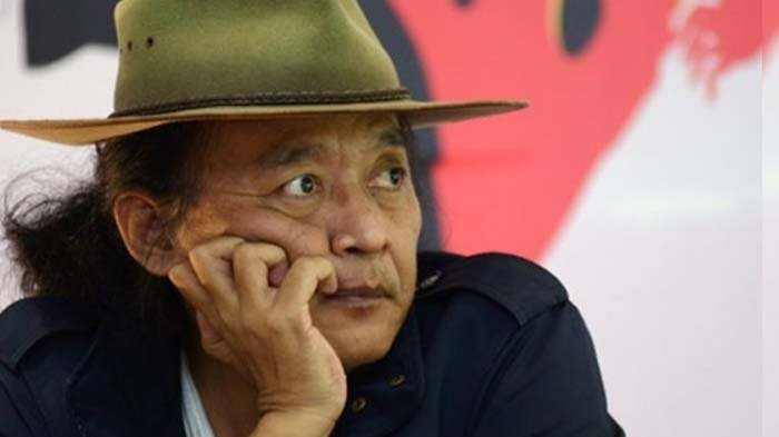 Sudjiwo Tedjo Posting Tulisan di Belakang Truk : Lebih Canggih Dibanding Para Menteri dan Gubernur