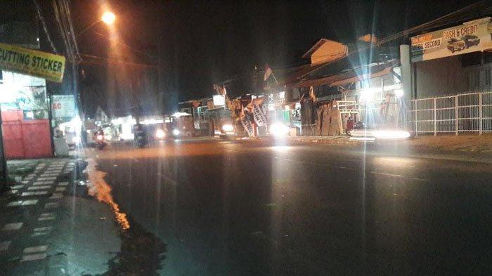 Info Arus Lalu Lintas: Kendaraan di Jalan Raya Sukahati Malam Ini Ramai Lancar