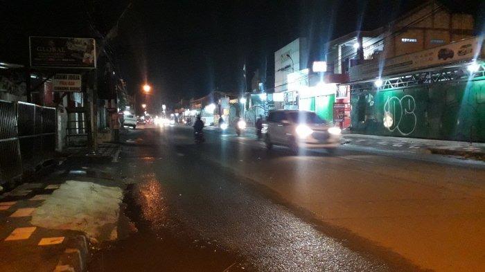 Kondisi Lalu Lintas Jalan Raya Sukahati Malam Ini, Tanpa Hambatan Arah Kota Bogor