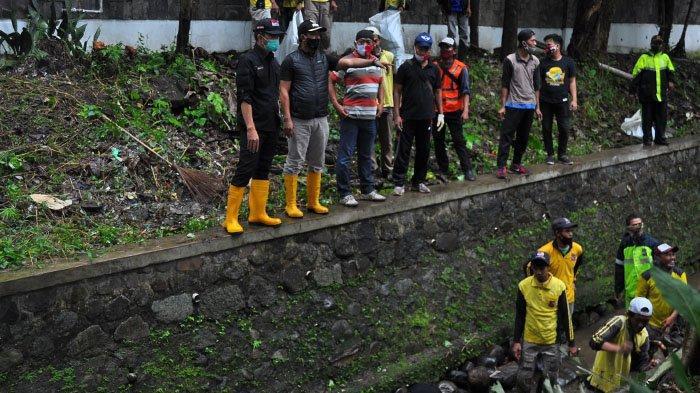 Antisipasi Musim Hujan, Aliran Sungai Cibalok dari Istana Bogor Dinormalisasi