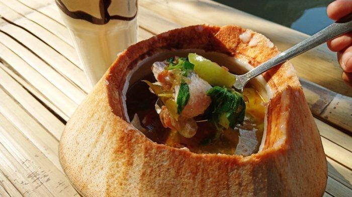 Cicip Sup Ikan Nila di Rumah Air Bogor, Disajikan dalam Batok Kelapa Muda