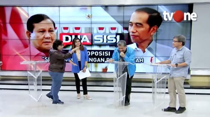 Sambil Tunjuk-tunjuk, Irma Suryani Lantang Sebut Rocky Gerung Dungu, Fahri Hamzah Tertawa Ngakak