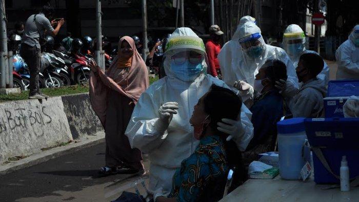 Karyawan Swalayan di Kota Bogor Jalani Swab Test Massal