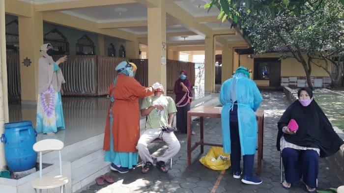 Cegah Kluster Perumahan, Warga Pura Bojonggede Ikuti Rapid Test Antigen Massal