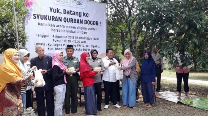 Sykuran Kurban, ACT Sembelih Dua Ekor Sapi untuk Dibagikan ke Warga