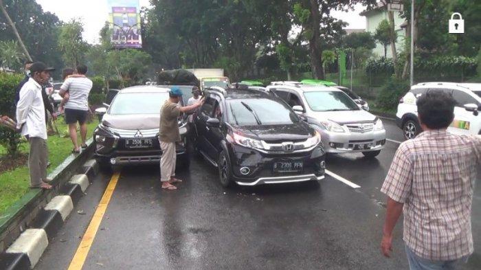 Kecelakaan di Baranangsiang Bogor, 3 Mobil Wisatawan dari Puncak Ditabrak Pick Up
