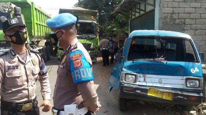 Tabrakan Beruntun di Jalan Raya Narogong Bogor, Libatkan 4 Kendaraan, 1 Angkot Ringsek