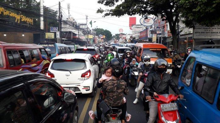 Jelang Petang Lalu Lintas di Jalan Raya Tajur Kota Bogor Macet, Antrean Kendaraan Mengular 1,5 KM