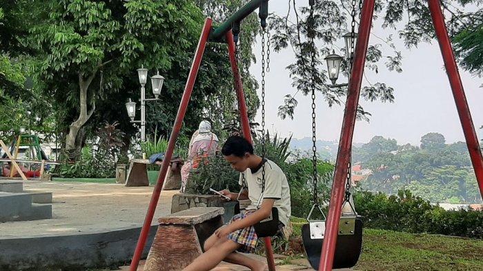 Menikmati Akhir Pekan di Taman Peranginan Kota Bogor, Dikelilingi Pohon Rindang Hawanya Sejuk