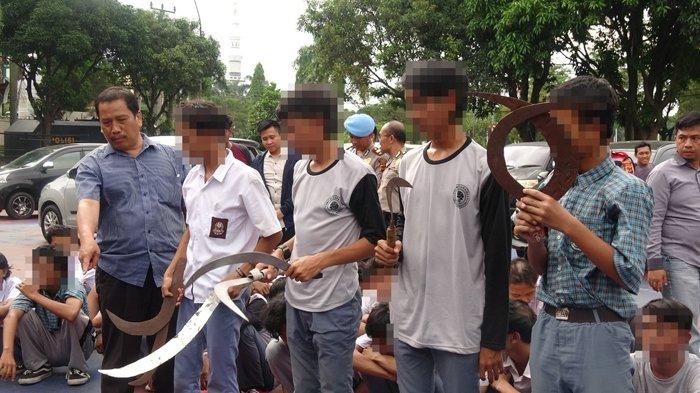 Ditangkap Sebelum Tawuran, Polisi Temukan Jimat Di Dompet Pelajar Bogor