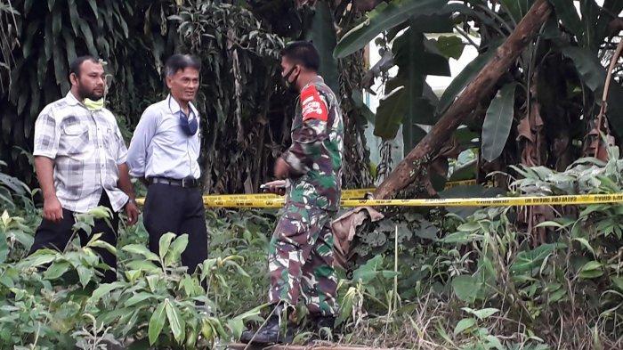 Warga di belakang Komplek LIPI, Kampung Sampora, Kelurahan Cibinong, Kecamatan Cibinong, Kabupaten Bogor digegerkan dengan temuan sesosok mayat bayi, Senin (22/2/2021).