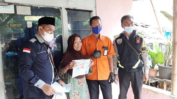Pastikan BST Tepat Sasaran, TKSK Bojonggede Bogor Sambangi Rumah Warga