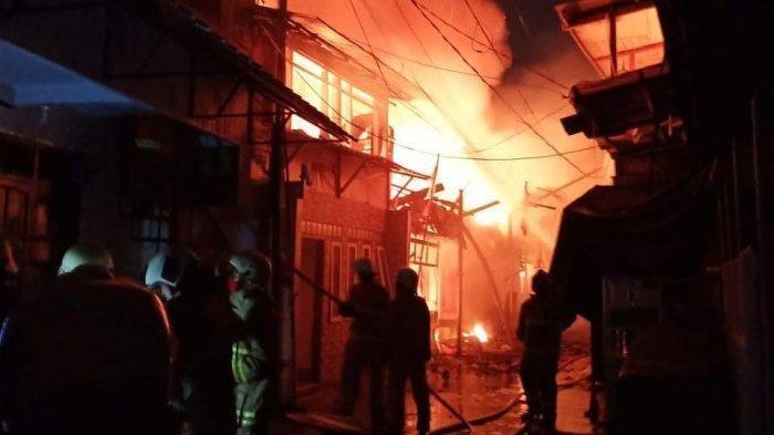 Dilalap Si Jago Merah, 40 Rumah di Jakarta Barat Ludes