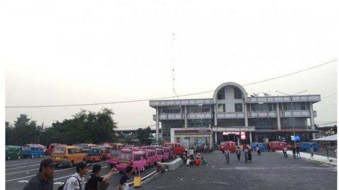 Jelang Sidang Putusan MK, Polisi Berjaga di Sejumlah Stasiun Kereta