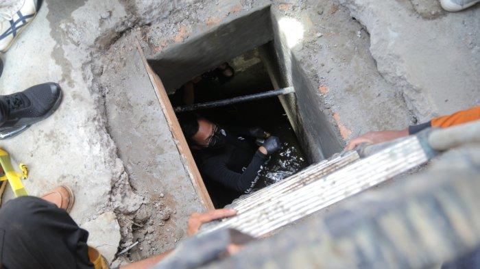 Temukan Terowongan Kuno Peninggalan Belanda, Bima Arya Basah-basahan Cek Saluran Air