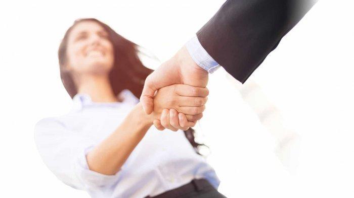 Tes Kepribadian - Caramu Berjabat Tangan dengan Orang Ternyata Bisa Ungkap Isi Hati Sebenarnya