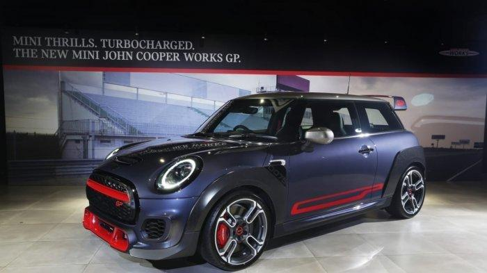 Hanya Ada 12 Unit di Indonesia, Mini John Cooper Works GP Dibandrol Rp 1,5 Miliar