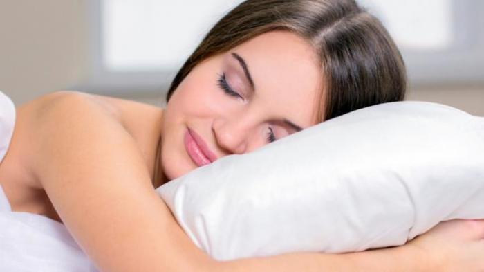Sederet Manfaat Tidur Tanpa Busana, Ternyata Dapat Mengurangi Ressiko Serangan Jantung