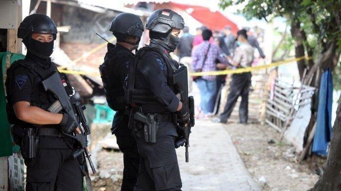 Tim Densus 88 Polri Gerebek Terduga Teroris di Cikarang dan Condet