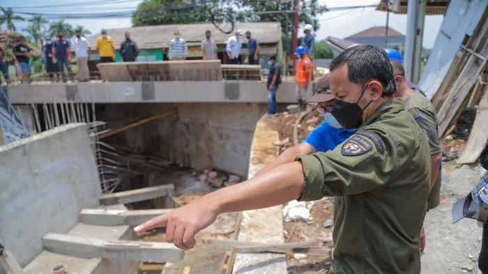 Bima Arya Targetkan Pembangunan Jembatan Mekarwangi Tuntas Oktober Ini