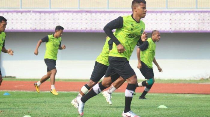 Pelatih Tira Persikabo Pastikan Anak Asuhnya Tak Takut Hadapi Madura United Sore Ini