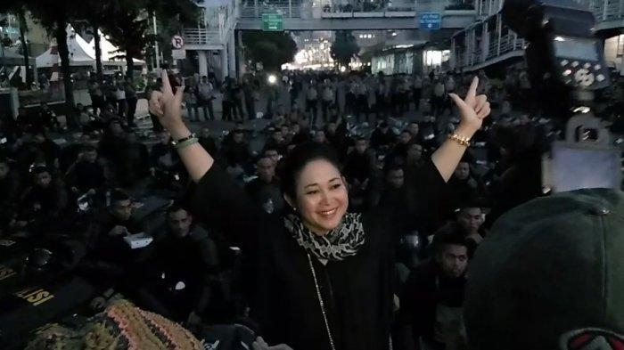 Hadiri Aksi di MK, Titiek Soeharto: Semoga Hakim Memutus Secara Adil