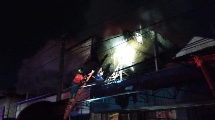 Kobaran Api yang Membakar Toko di MA Salmun Bogor Berhasil Dipadamkan Setelah 2 Jam