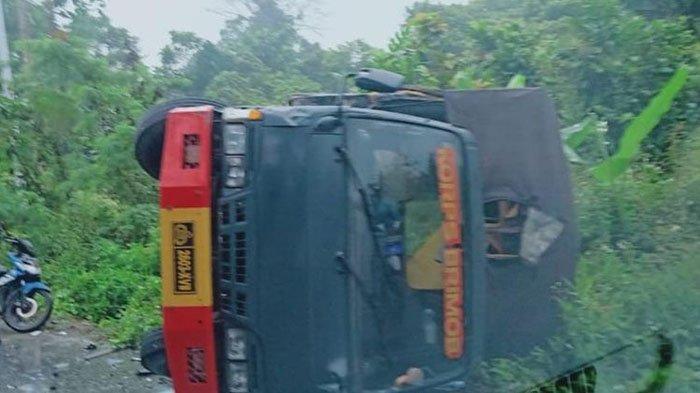 Truk Brimob Tabrakan dengan Mobil Avanza di Papua, 1 Tewas, 8 Polisi Luka-luka