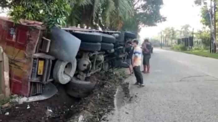 Rem Blong, Truk Pengangkut Pasir Terguling di Gunungsindur, Tak Ada Korban Jiwa
