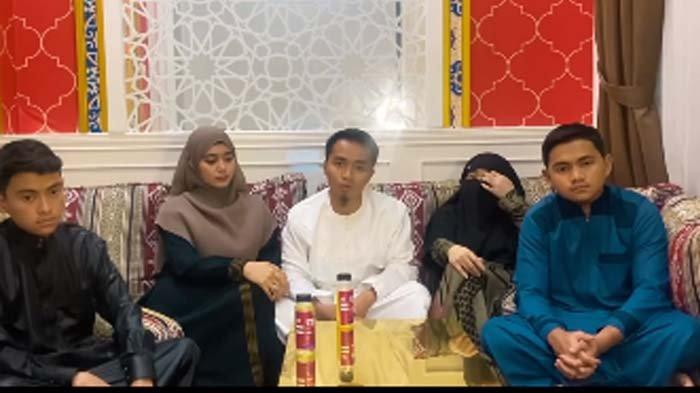 Kaget Ayahnya Nikah Siri hingga Dituding Menyimpang, Taqy Malik : Percaya Abi Bisa Menyelesaikan