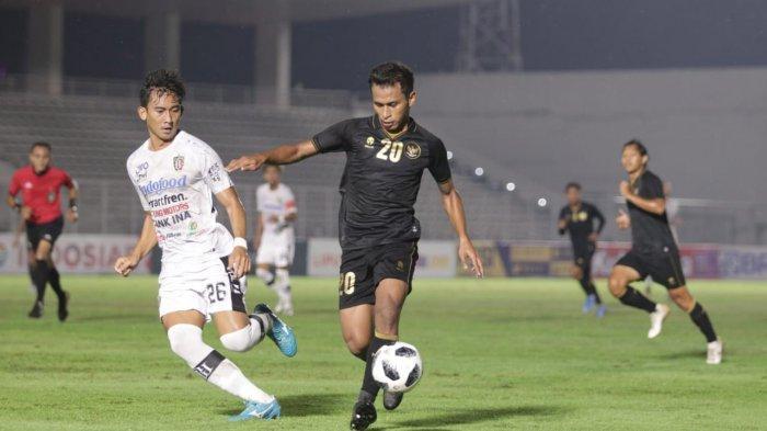 Uji coba Timnas Indonesia U-23 vs Bali United di Stadion Madya, Gelora Bung Karno, Senayan, Jakarta, Minggu (7/3/2021).