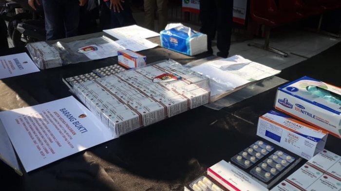 Polresta Bogor Kota ungkap praktek spekulan pemilik apotek dan pegawainya.