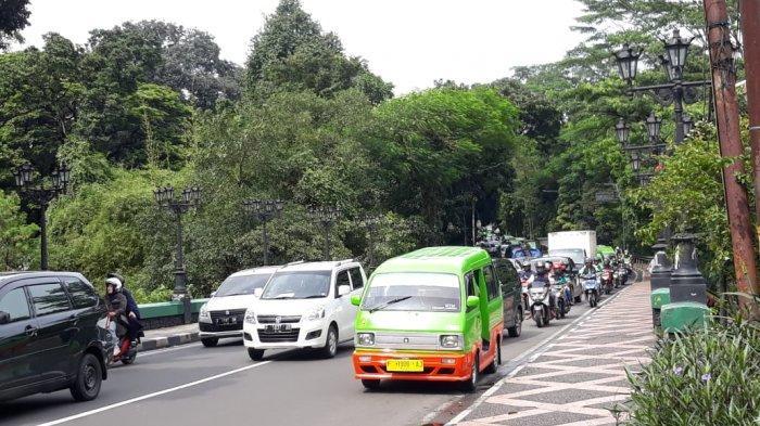INFO LALU LINTAS - Jalan Jalak Harupat Pagi Ini Tersendat, Kemacetan Mengular Hingga Jalan Sudirman