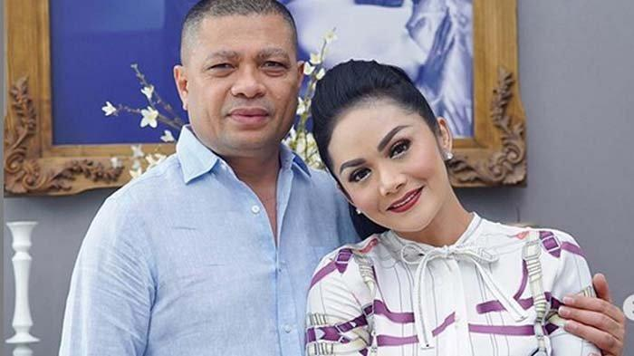 Usai Posting soal Selingkuh, Suami KD Raul Lemos Bahas Kebohongan: Tembok Juga Punya Mata & Telinga