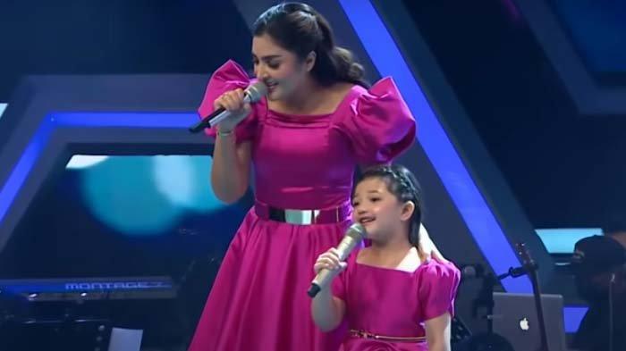 Usai Trending 1, Penampilan Arsy di The Voice Kids Bikin Krisdayanti Kagum, Juri Standing Applause