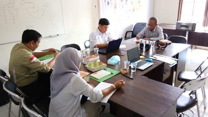 Diperiksa Panwaslu, Usmar Hariman Mengaku Dapat Data Survey Paslon Dari WhatsApp