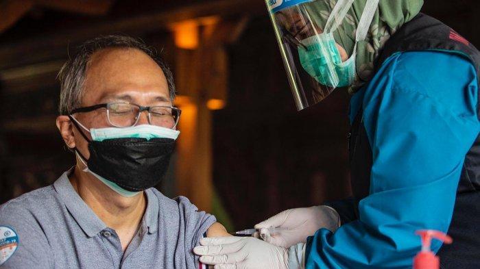 Wakil Wali Kota Tinjau Vaksinasi Nakes Pertama di Kota Bogor, 2.200 Peserta Tidak Lolos Penyintas