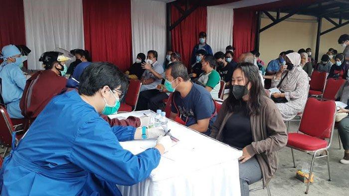 230 Warga Bogor Antusias Ikut Vaksinasi Massal di Mapolsek Bojonggede