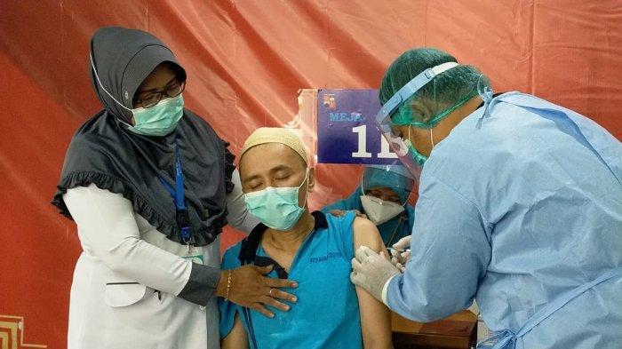 Puluhan Orang Dengan Gangguan Jiwa Jalani Vaksin Covid-19 di Bogor
