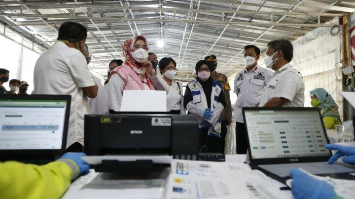 678 Bidan di Kabupaten Bogor Kini Bantu Vaksinasi, Target 30 Ribu Jiwa Sehari
