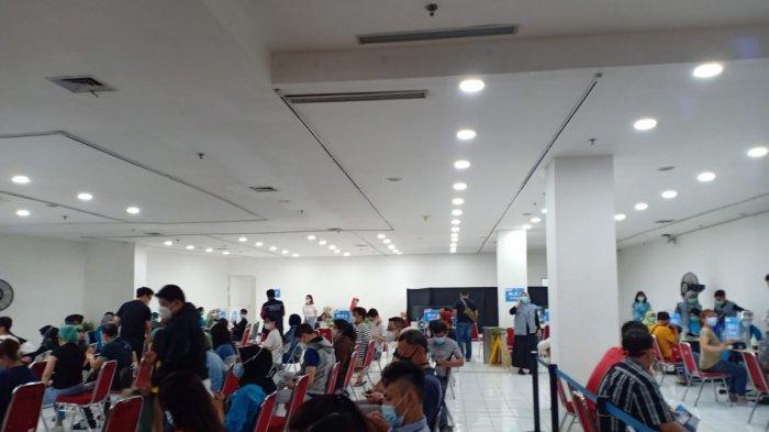 Ribuan Pedagang Pasar hingga Pegawai Retail Divaksin di Mal Bogor