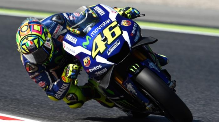 Naik Podium, Rossi Persembahkan Kemenangannya Untuk Simoncelli yang Meninggal 23 Oktober