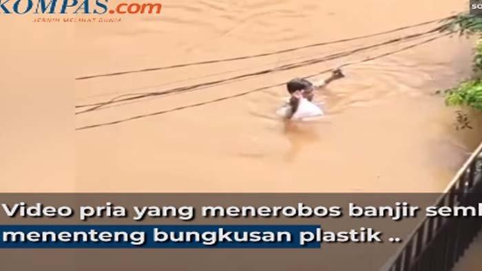 VIRAL Driver Ojek Online Terobos Banjir Demi Antar Makanan, Ini Tanggapan Gojek dan Grab