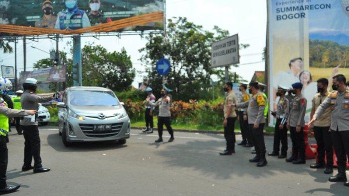Tinjau Simpang Gadog Bogor, Wakapolda Jabar Ikut Sekat Kendaraan