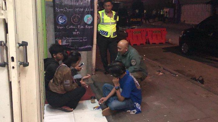 Tidak Batasi Pergaulan, Wakapolresta Bogor Ini Juga Nongkrong Bareng Pedagang Hingga Tukang Ojek
