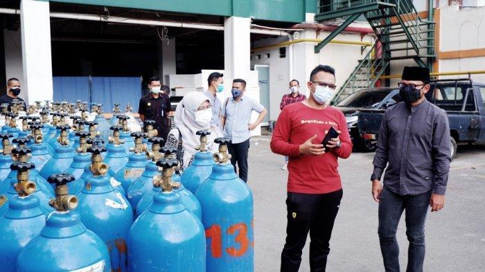 Wali Kota Bogor Bima Arya mengecek ketersedian oksigen di sejumlah rumah sakit di Kota Bogor, Minggu (11/7/2021).